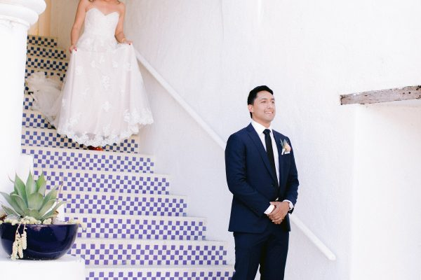 First looks on the mansion steps. Photo by Max Tepper Photography
